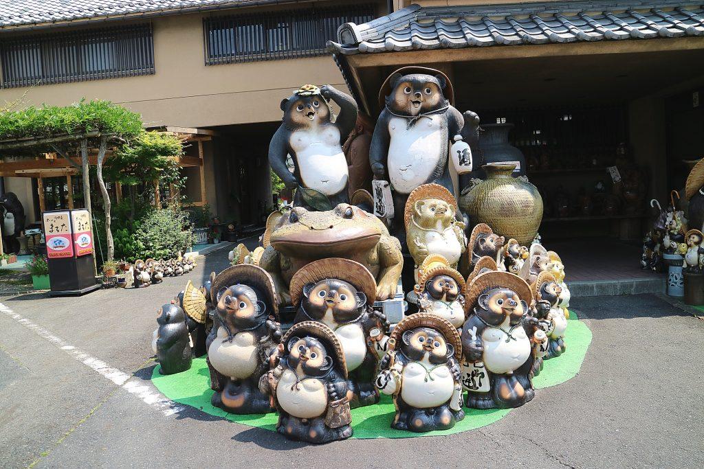 日本六古窯のまち 信楽 信楽たぬき